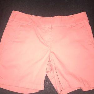 LOFT Ladies 6 inch Shorts